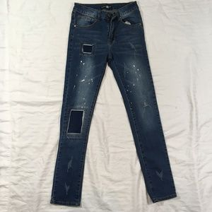BOOHOOMAN Jeans sz 28 distressed ( Like New )